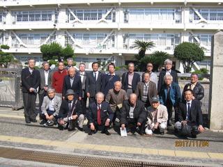 1-i姫路工業高校正門前にて.jpg